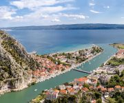 Omis Cetina excursion from Podgora