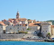 Island boat tours from Podgora
